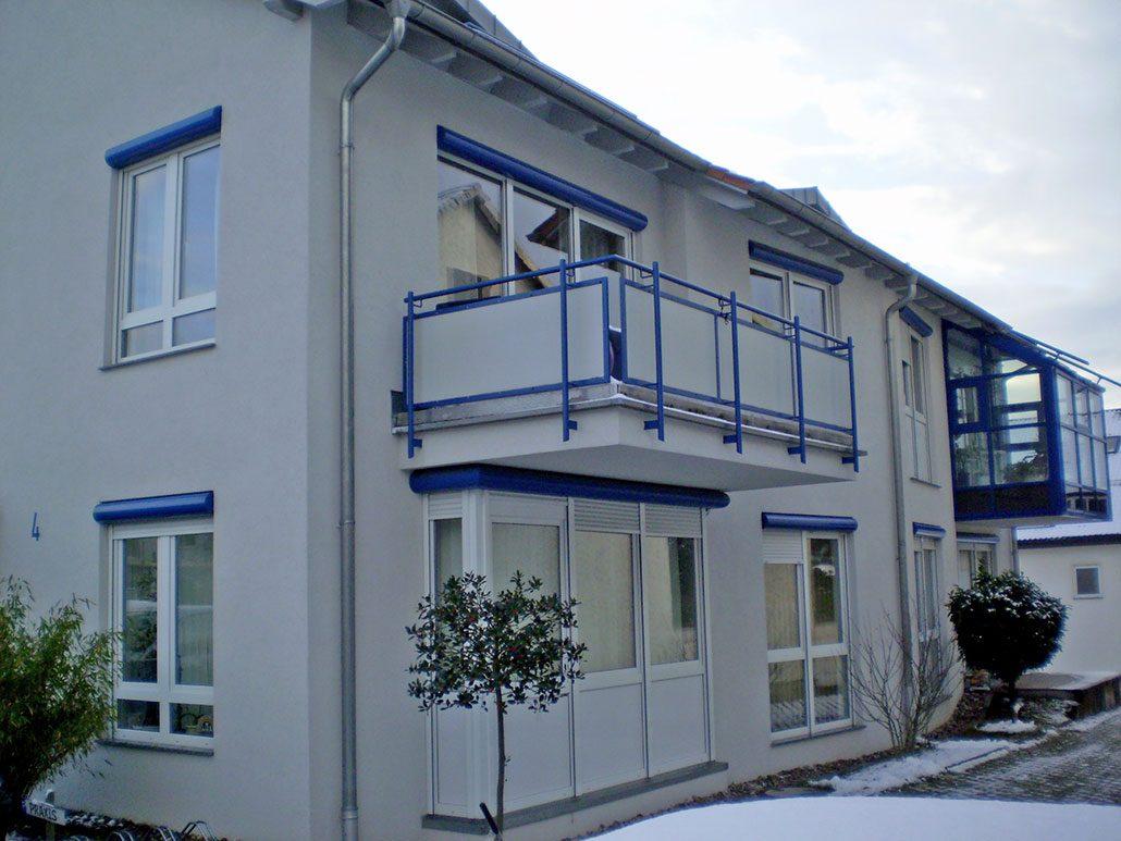 3 Zimmer Wohnung im EBK und Balkon in Renningen